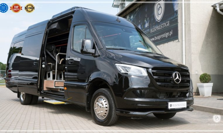 Mercedes Luxury Sprinter Bus Side Sliding Door