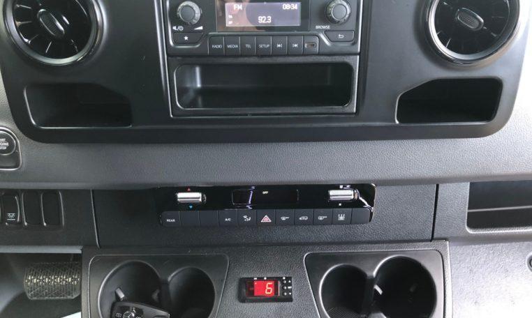 Mercedes-Benz Sprinter Bus 1Din Radio