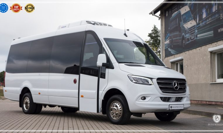 mercedes bus side view